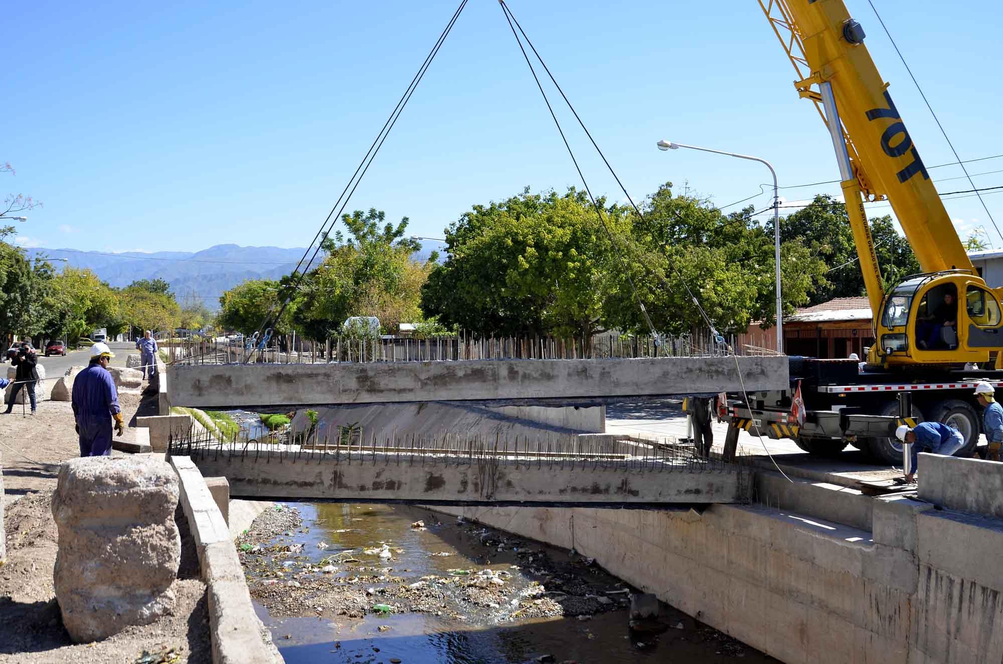 Ministerio de Infraestructura - Construcción de puente 12 de Oct