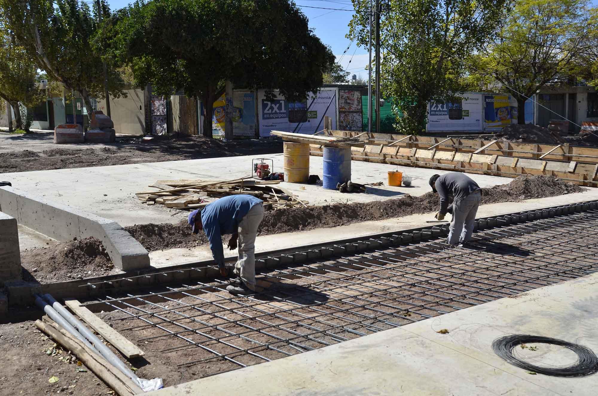 Ministerio de Infraestructura - Construcción de puente 25 de May