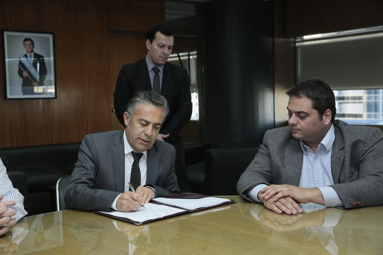 Alfredo Cornejo con Triaca en ministerio de trabajo