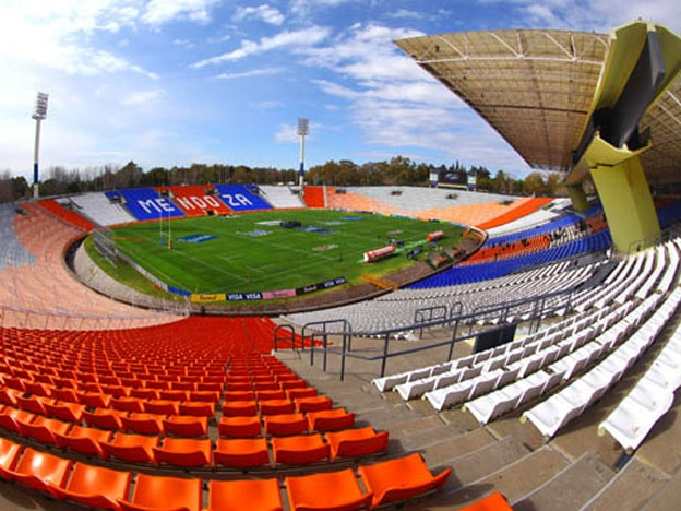 El estadio provincial Malvinas Argentinas se pone a punto para ser sede