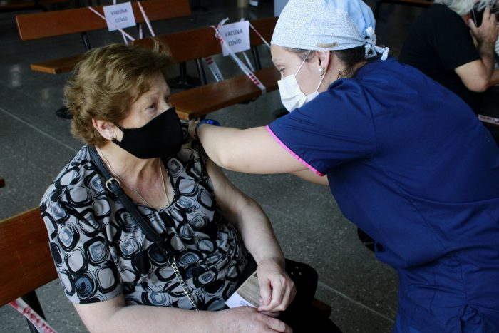 Geriátricos: vacunan al 100% de los residentes en el Sur provincial