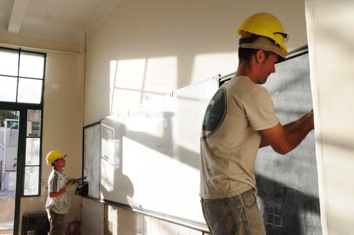 Mil millones de pesos en reparaciones de escuelas